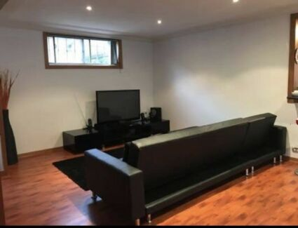 **URGENT** Private room for rent