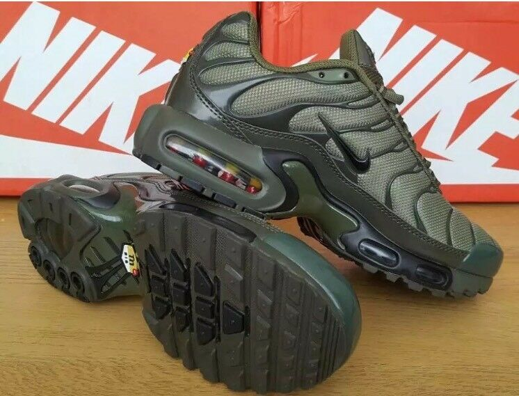 Nike Tn army green new in box
