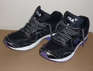 Running Shoes ... Fila .. Size 9 : In excellent condition : Cambridge Kitchener Area image 1
