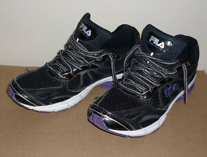 Running Shoes ... Fila .. Size 9 : In excellent condition :
