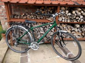 Hybrid bicycle: Dawes Kalahari in excellent condition. For small person - 18 inch wheels.