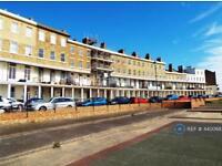 1 bedroom flat in Wellington Crescent, Ramsgate, CT11 (1 bed)