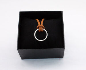 Uncharted 3 Drake's Deception Sir Francis Collector Edition Ring Necklace in box