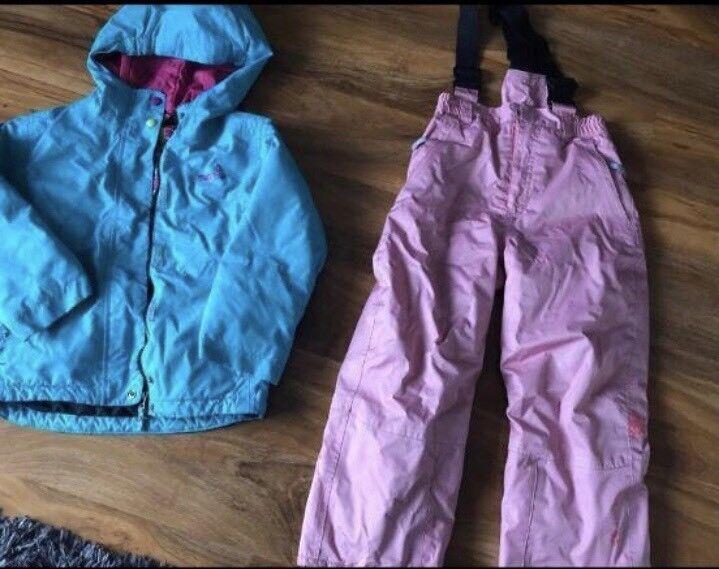 Girls ski jacket and salopettes  5e077973f