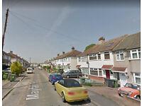 Nice 4 bedroom house available in Dartford, DA1 area.