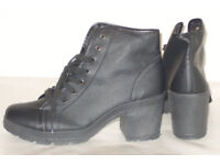 WOMENS LADIES BRAND NEW BLUE INC BLACK FASHIONABLE BOOTS SIZE 8 UK LACE UP PULAC
