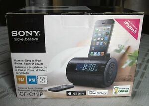 Sony AM FM Clock Radio with dock for Iphone 5