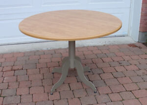 TABLE RONDE AMISCO 42''