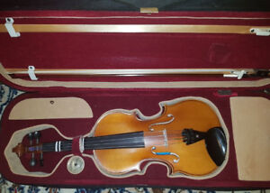 4/4 T.F. VIOLIN WITH ACCESSORIES
