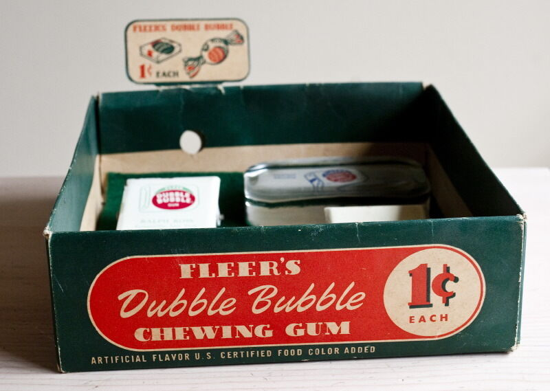 RARE Fleer Double bubble gum  Advertising Vintage box 2 paperweights, 2 clips