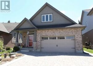 5 Bedroom Home with In Law Suite!