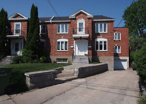 Very large lower duplex in Upper Westmount
