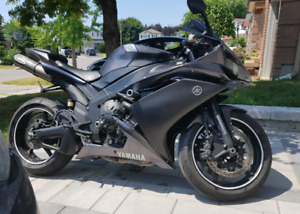 2007 YAMAHA YZF R1 GREAT PRICE NEED IT GONE
