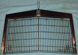 Grill – Lincoln Continental Mark IV