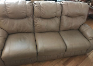 Excellent condition, reclining, leather sofa & loveseat set