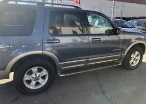Beautiful 2004 Ford Explorer XLT FOR SALE!