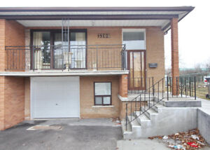 Stunning 3 Bedroom semi detached house in Mississauga!!