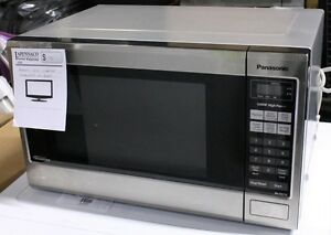 Panasonic 1.2cu inverter microwave NN-SD67IS