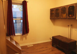 GREAT INVESTMENT OPPORTUNITY OR STARTER HOME Kitchener / Waterloo Kitchener Area image 4