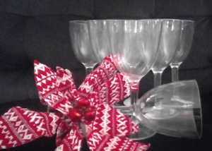 Great for entertaining, 7 wine glasses for only $5.00