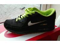 Nike Air Max 90 - size 9