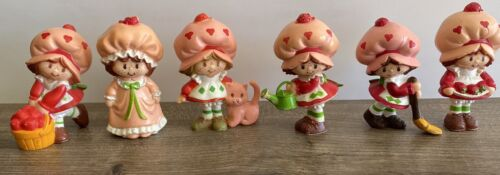 6 Strawberry Shortcake PVC Miniatures W/ Custard Berries Basket Broom Nightgown - $59.99