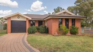 Room For Rent Near Orana Mall. Backpackers or 489 visa welcome Dubbo Dubbo Area Preview