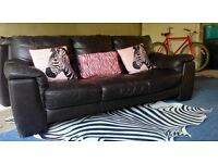 Can Deliver- Beautiful Leather 3 Seater Sofa