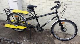 Yuba Mundo utility/cargo bike, great condition, disc brakes, accessories, etc