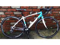 Women's Road Bike - Calibre Loxley (small, 49 cm)