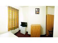LARGE SINGLE ROOM FOR RENT IN EAST HAM (good transport link to Stratford / Canning town)