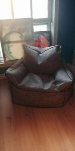 Beanbag chair, in near perfect condition pickup in Crystal Beach
