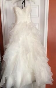 Beautiful Wedding Dress in Excellent condition St. John's Newfoundland image 5