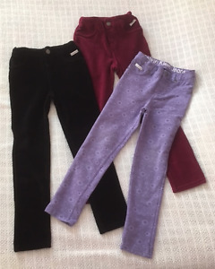 GIRLS SIZE 6 JEANS ARE NEW & LIKE NEW!!