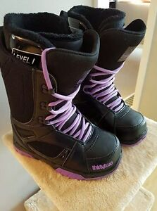 32 Exit women's snowboard boots