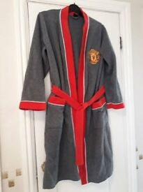 10-11 yr Manchester united dressing gown