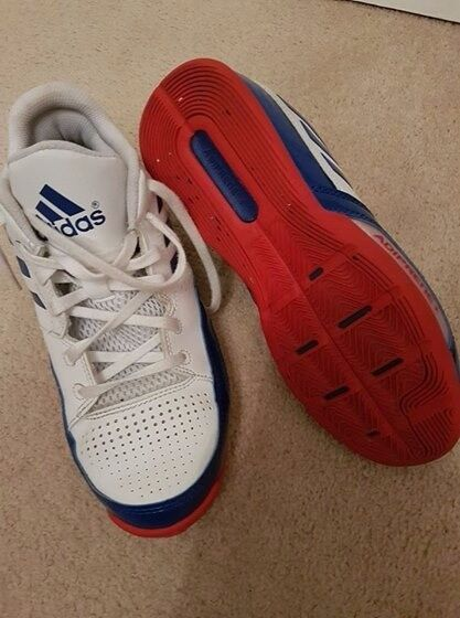 Boys basketball trainers size 5