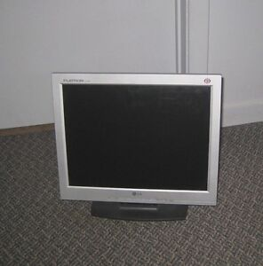"""15"""" LCD LG Flatron Monitor in great working condition, $15"""