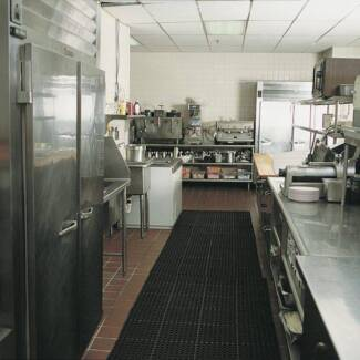 COMMERCIAL KITCHEN SPACE REQUIRED - SUBLEASE/CAFE