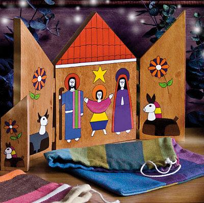 Crèche de Noël Triptyque en bois peint à la main au Salvador décoration H 20 CM
