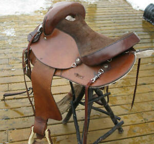 15'' Australian-looking Saddle and accessories