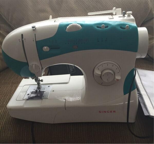 Singer 40 Sewing Machine In Bedlington Northumberland Gumtree Awesome Singer Sewing Machine 6038