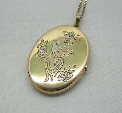 A Lovely Two Colour 9ct Gold Engraved With Birds Of Paradise And Flowers 9ct Gold Two Colour