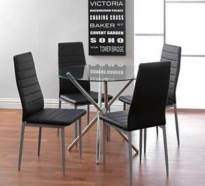 Fantastic Furniture 4 seater dining table and 4 chairs for $100! Caulfield North Glen Eira Area Preview