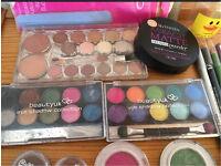 Make up bundle eyeshadow, liner, lipstick