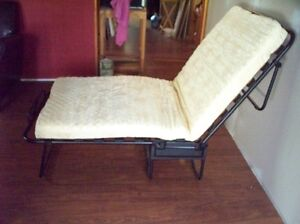 Fold-away bed never used -- great for sleepovers! Peterborough Peterborough Area image 5