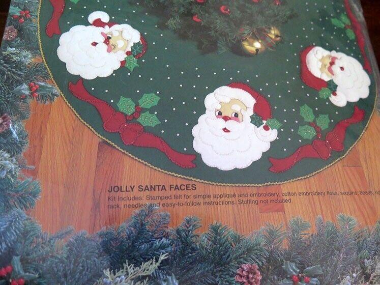 "BUCILLA CHRISTMAS TREE Felt Skirt JOLLY SANTA FACES Craft Kit 43"" NIP NEW #83212"