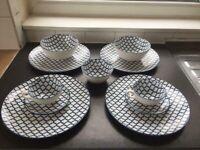 Blue-White Tableware set (Set of 2)