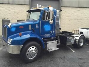 2004 Peterbilt 330 Daycab Tractor