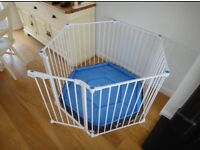 Lindam Safe & Secure metal playpen like NEW with mat, box & extra wall fittings, can deliver
